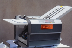 Dynafold DE-42FC Large format paper folding machine